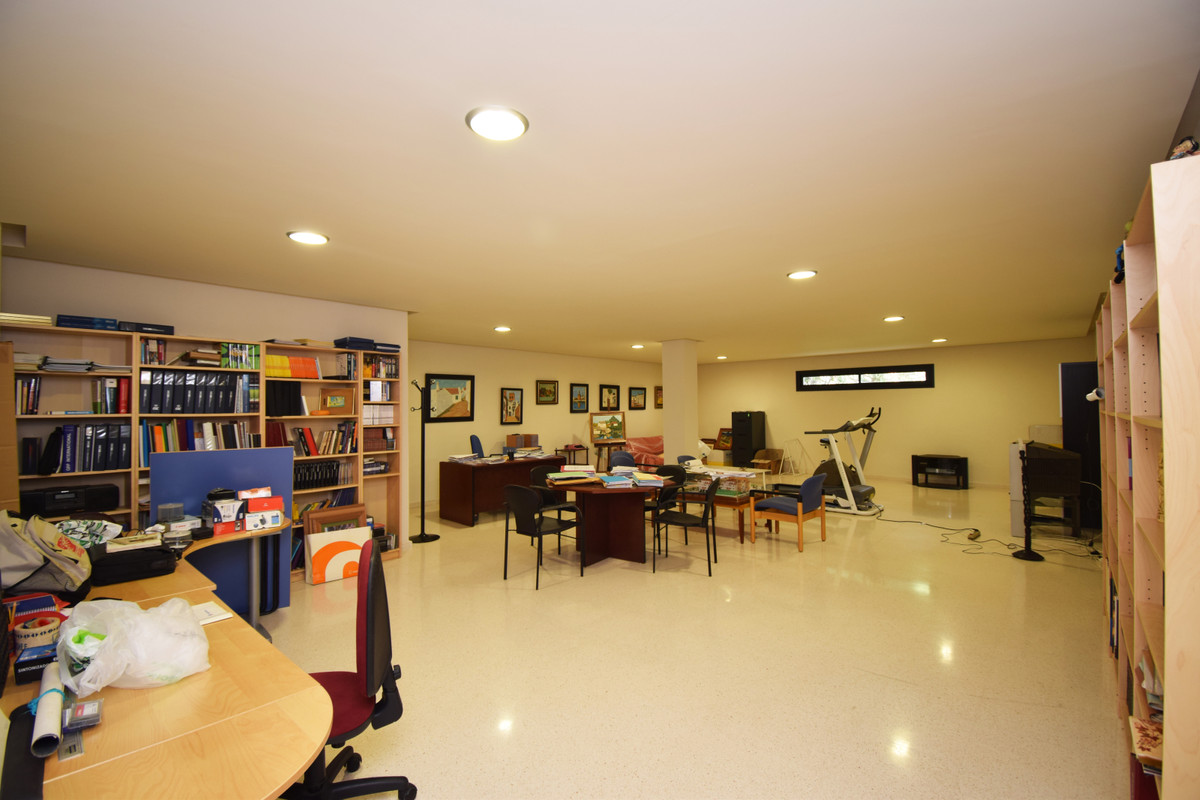 House in Altos de los Monteros R3385039 29