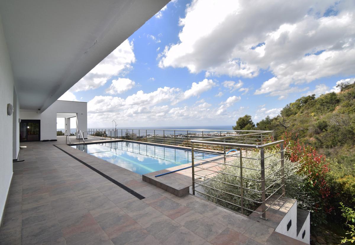 House in Altos de los Monteros R3385039 3