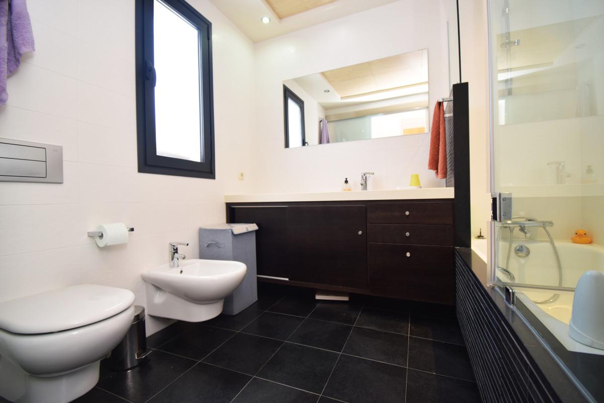 House in Altos de los Monteros R3385039 35