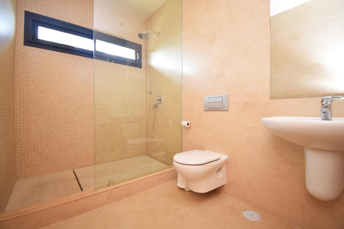 House in Altos de los Monteros R3385039 36
