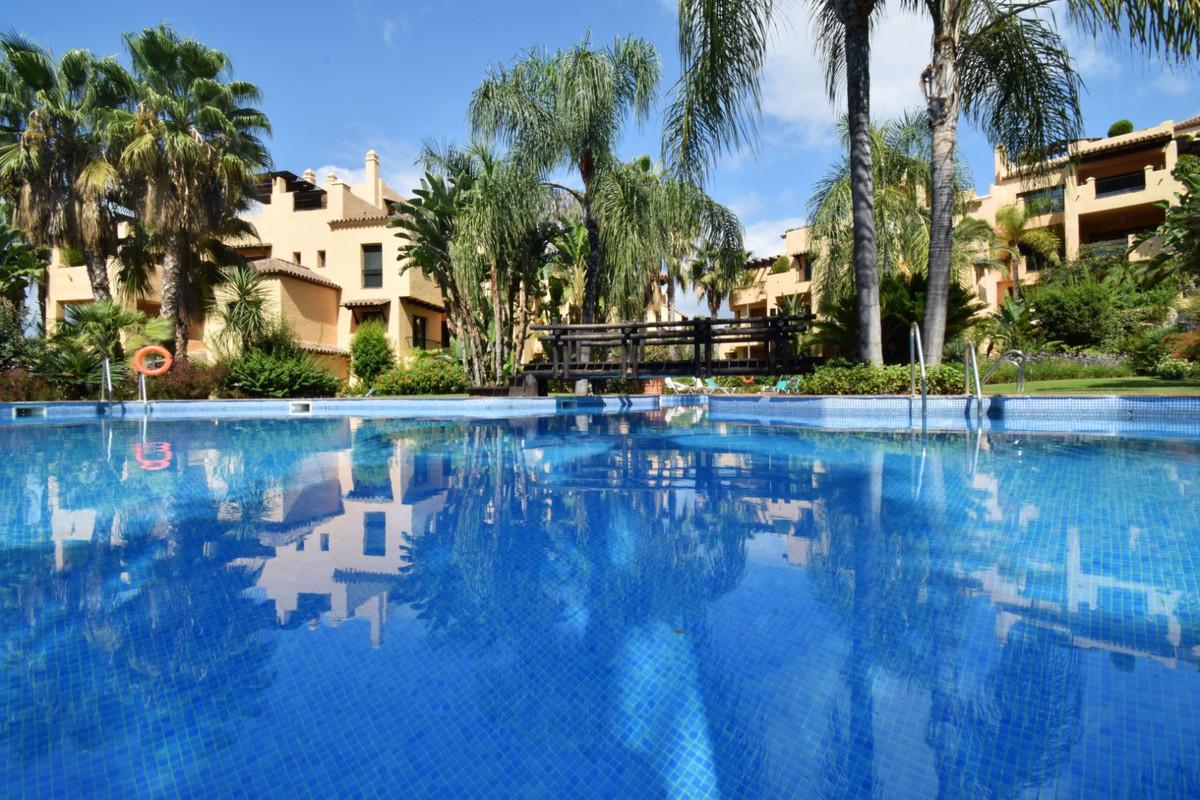 Marbella Banus Apartment for Sale in Atalaya – R3233377
