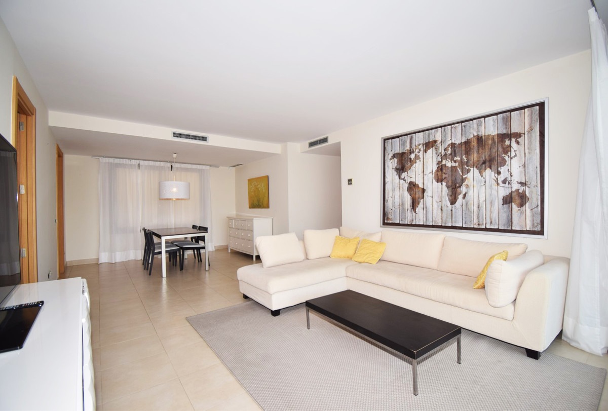 Modern style apartment reduced from € 265,000 to € 200,000 Located in the upper part of the east sid,Spain