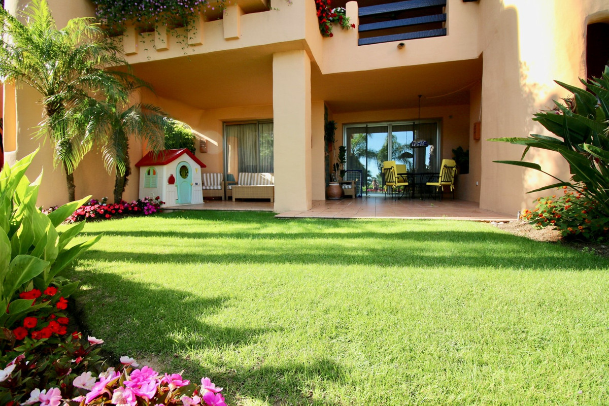 OPPORTUNITY IN SIERRA BLANCA (MARBELLA) Luxurious apartment located in the most exclusive area of Ma,Spain