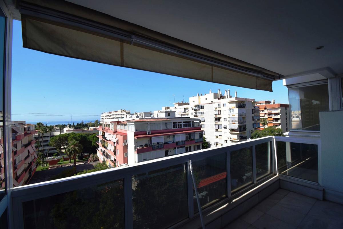 Opportunity in the center of Marbella, with sea views and 200 meters from the beach Elegant apartmenSpain