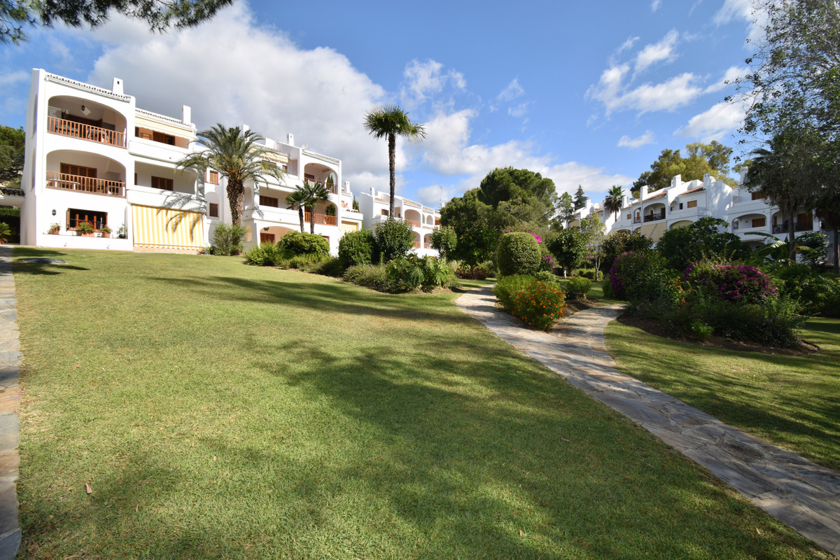 3 Bedroom Ground Floor Apartment For Sale Nueva Andalucía