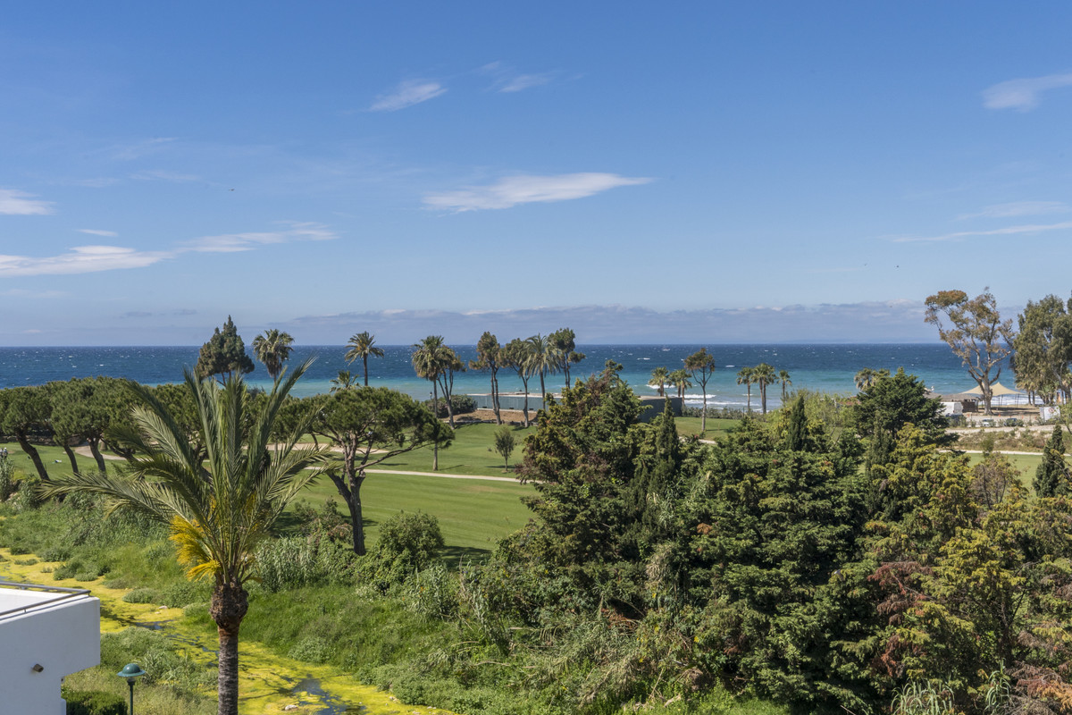 AMAZING PENTHOUSE FIRST LINE BEACH IN MARBELLA WITH SEA VIEWS Great penthouse located in the east of, Spain