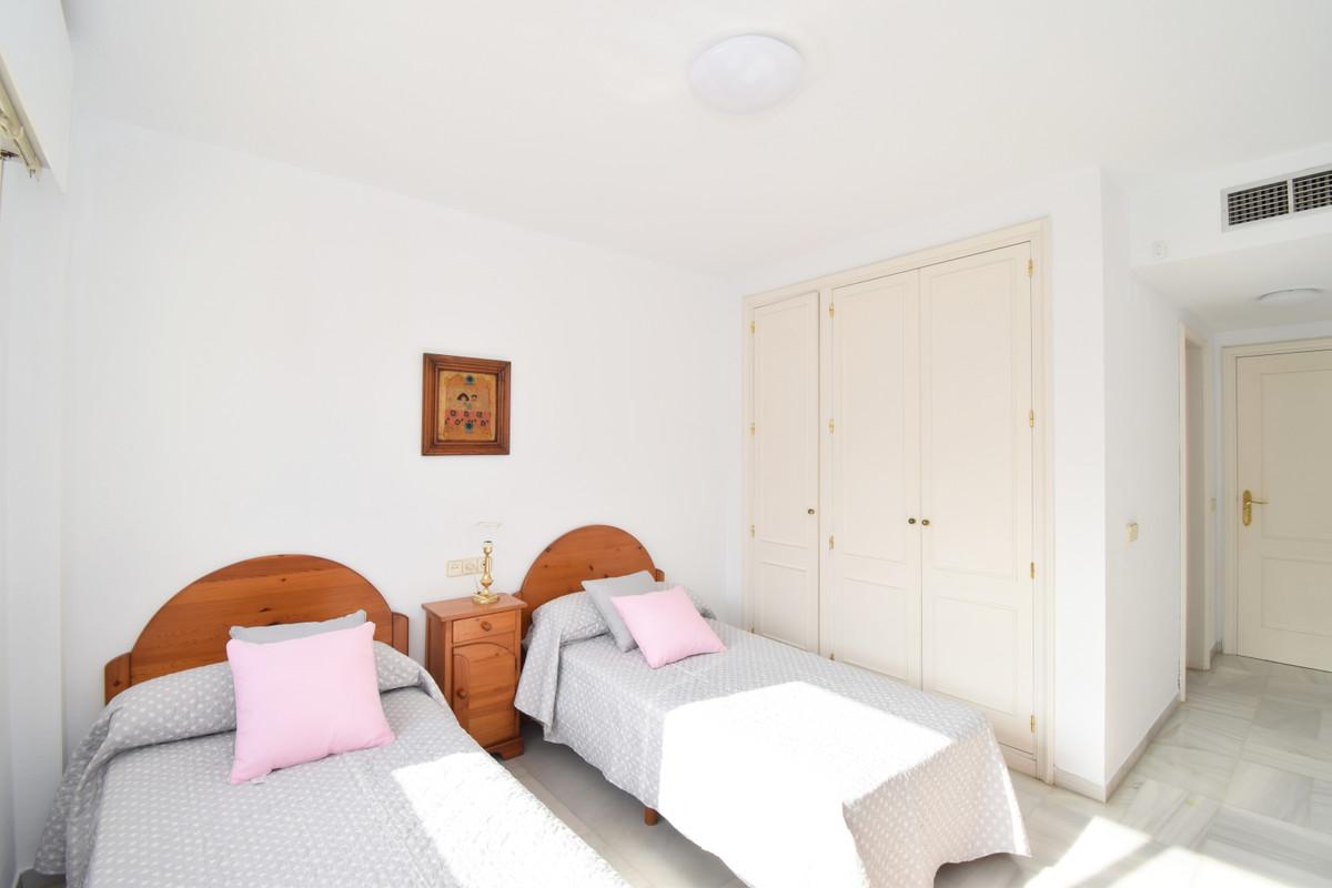 Apartamento con 3 Dormitorios en Venta Nagüeles