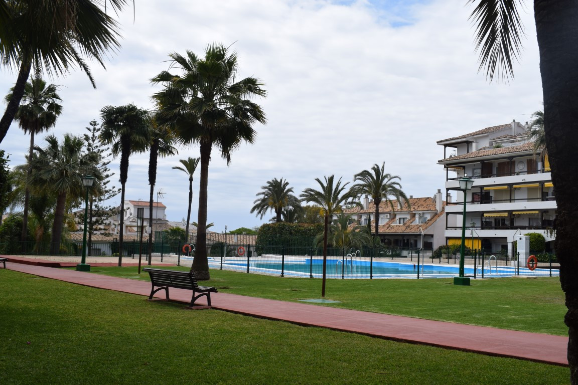 Opportunity on the Golden Mile of Marbella. Spacious one bedroom apartment, located in one of the be, Spain