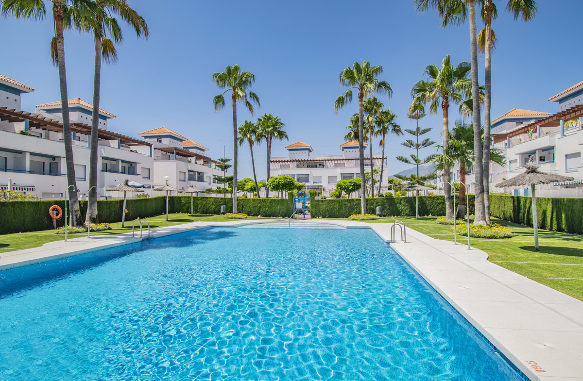 HUGE TOWNHOUSE IN BEL AIR Spectacular townhouse with five bedrooms, located in the Bel Air area, a f, Spain