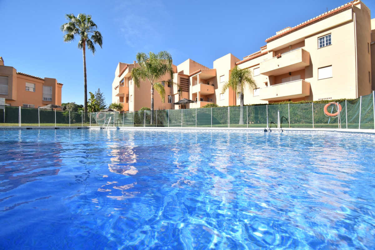 OPPORTUNITY WALKING TO THE BEST BEACHES OF MARBELLA Very good opportunity to acquire a property in t, Spain