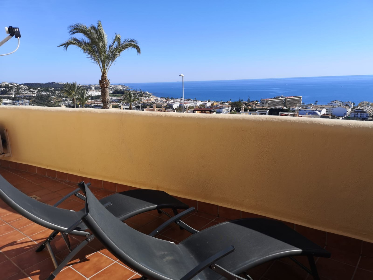 Magnificent duplex apartment in La Cala de Mijas overlooking the Sea - only 10mins walk from Playa d, Spain