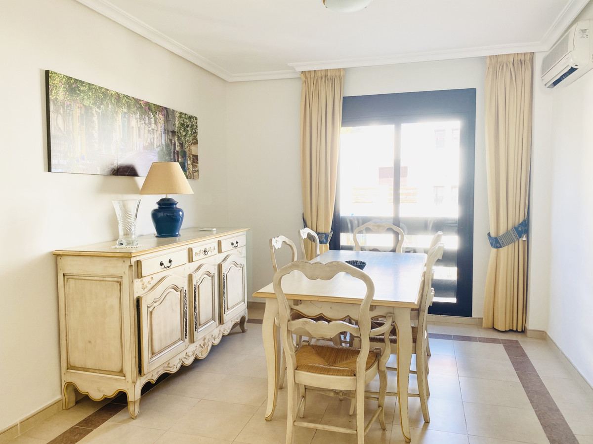 A comfortable and spacious 2 bedroom, 2bathroom apartment in the heart of Nueva Andalucia, within wa,Spain
