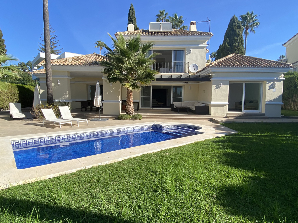 This lovely family villa  located in the sought after area El Rosario, Marbella East.  The property , Spain