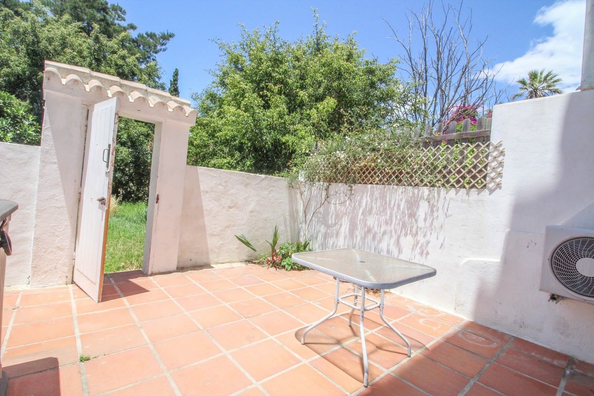 !!!RENTED!!! NO VIEWINGS Beautiful studio for sale near the beach in Artola, Marbella. It is being s,Spain