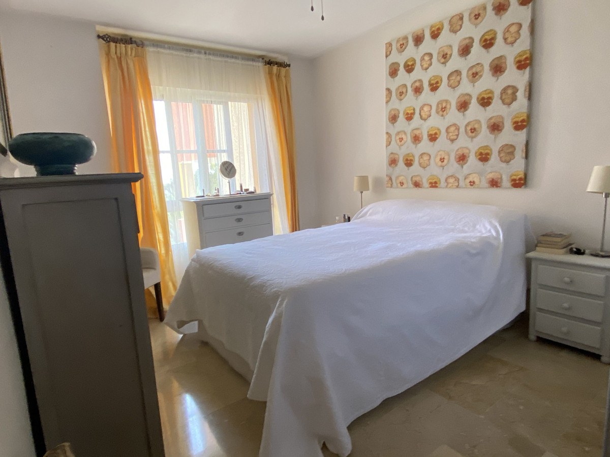 Apartment Middle Floor in Benahavís, Costa del Sol