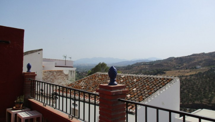 Traditional village house on the market for sale. The property has been recently modernized and its , Spain