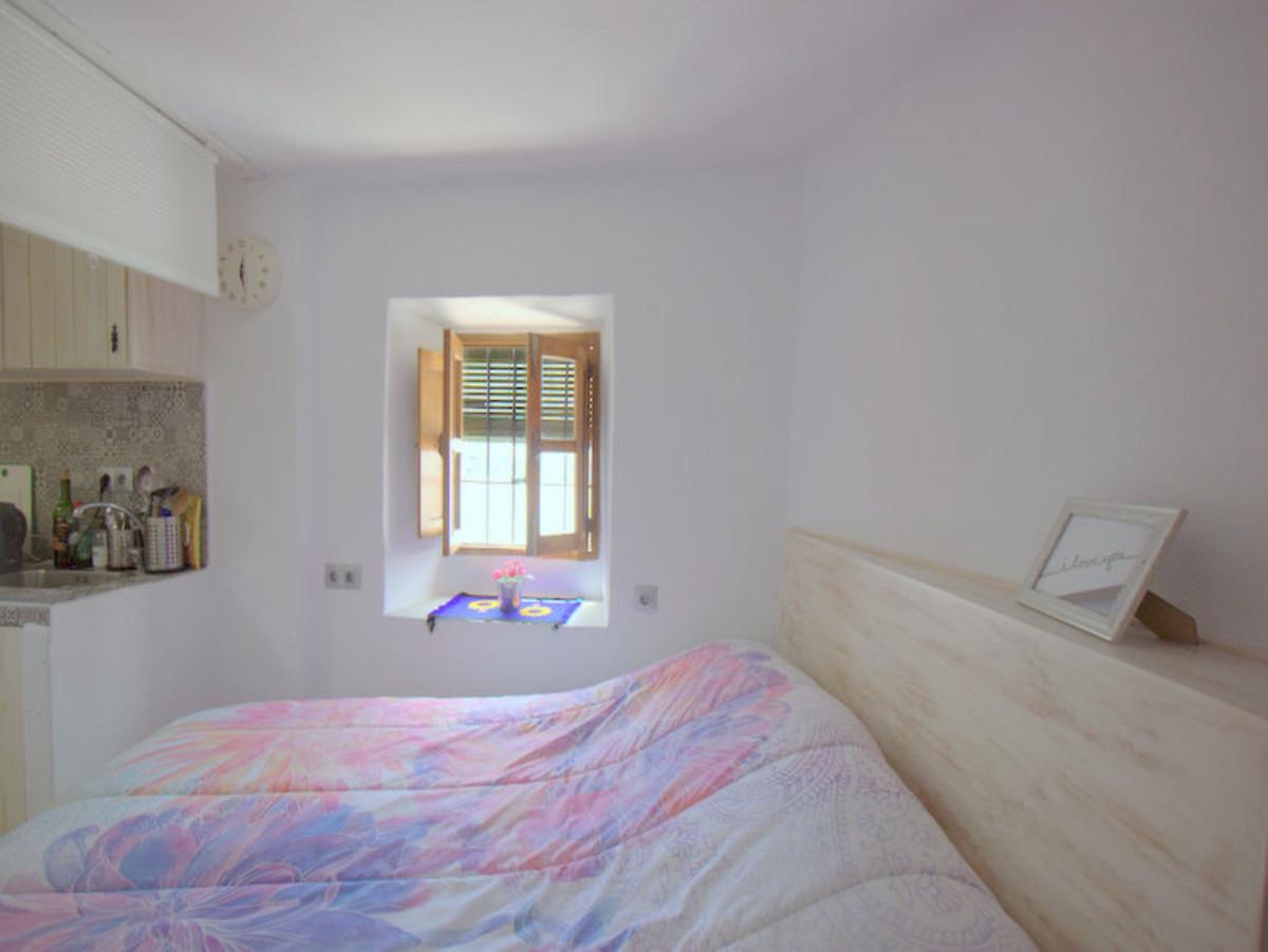 For Sale - Ground Floor Studio - Casares Pueblo - 10 - homeandhelp.com