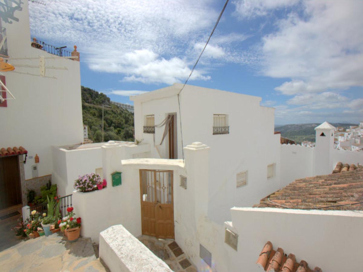 For Sale - Ground Floor Studio - Casares Pueblo - 5 - homeandhelp.com