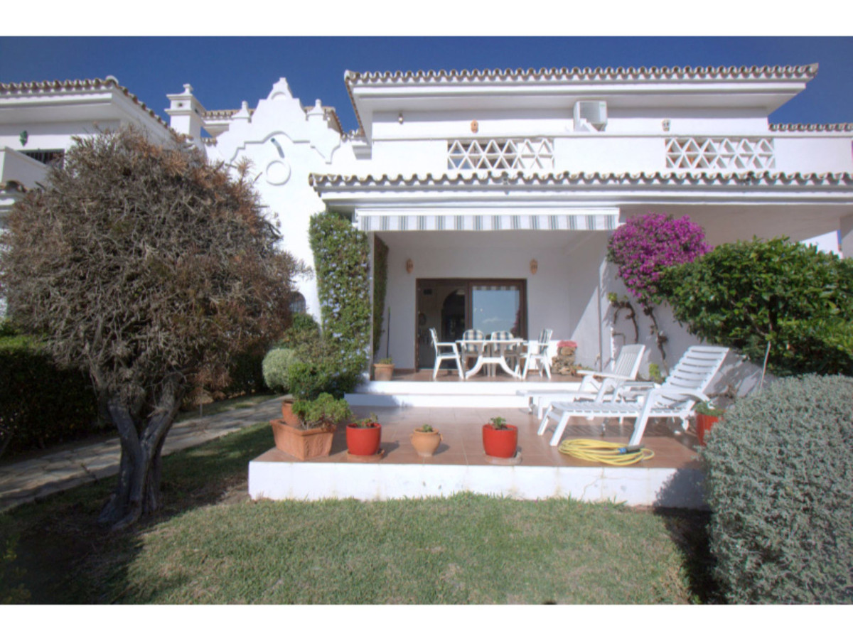 3 bedroom townhouse for sale la duquesa