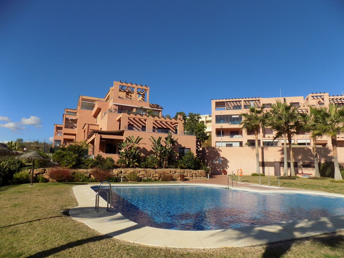 Excellent residential area in gated complex with video surveillance with pool, just 5 minutes from F,Spain
