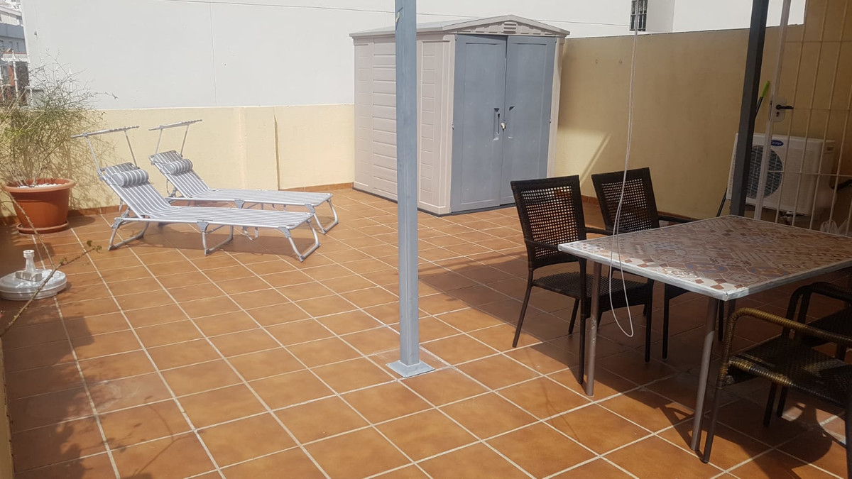 Apartment with one bedroom, living room, bathtub with hydromassage, 50m2 very sunny terrasse, with s,Spain
