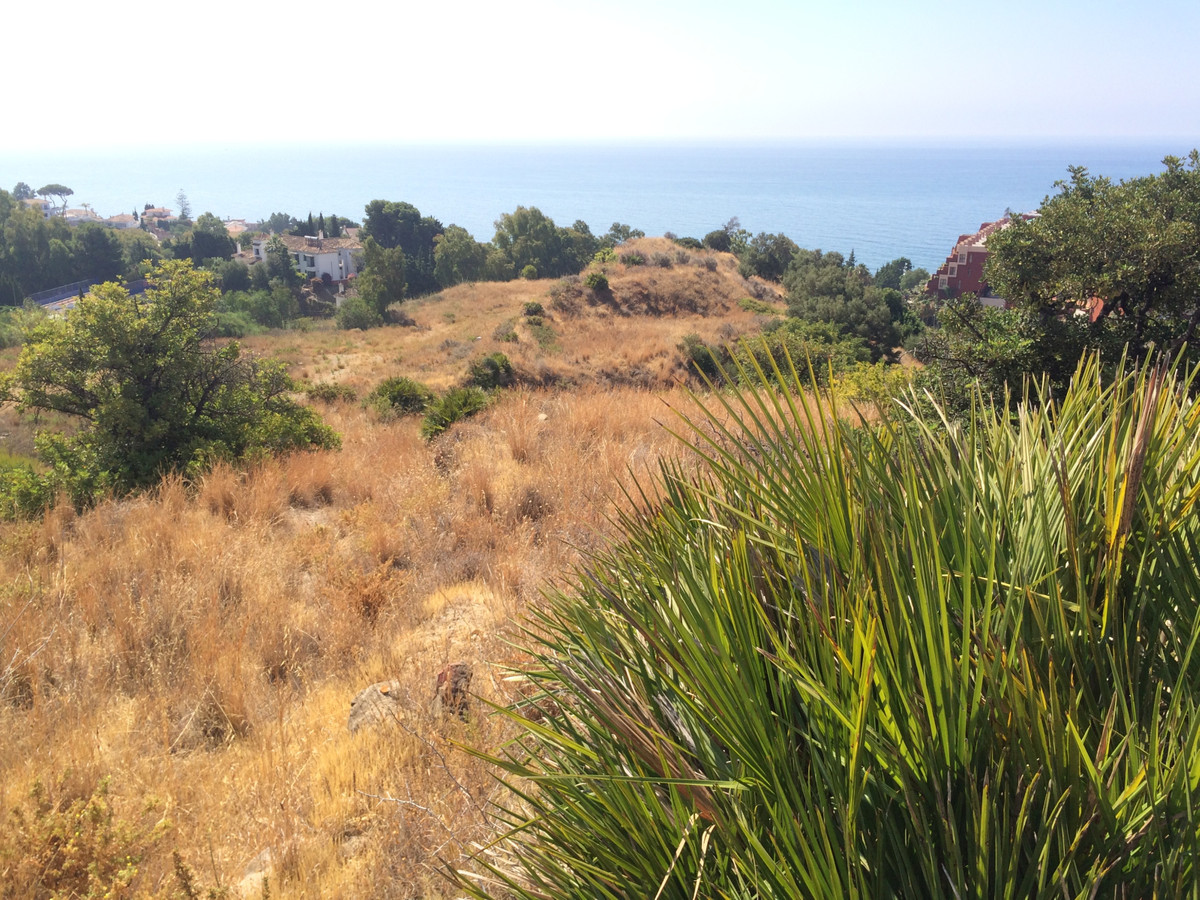 Rustic plot for sale in a magnificent area with breathtaking views,Spain