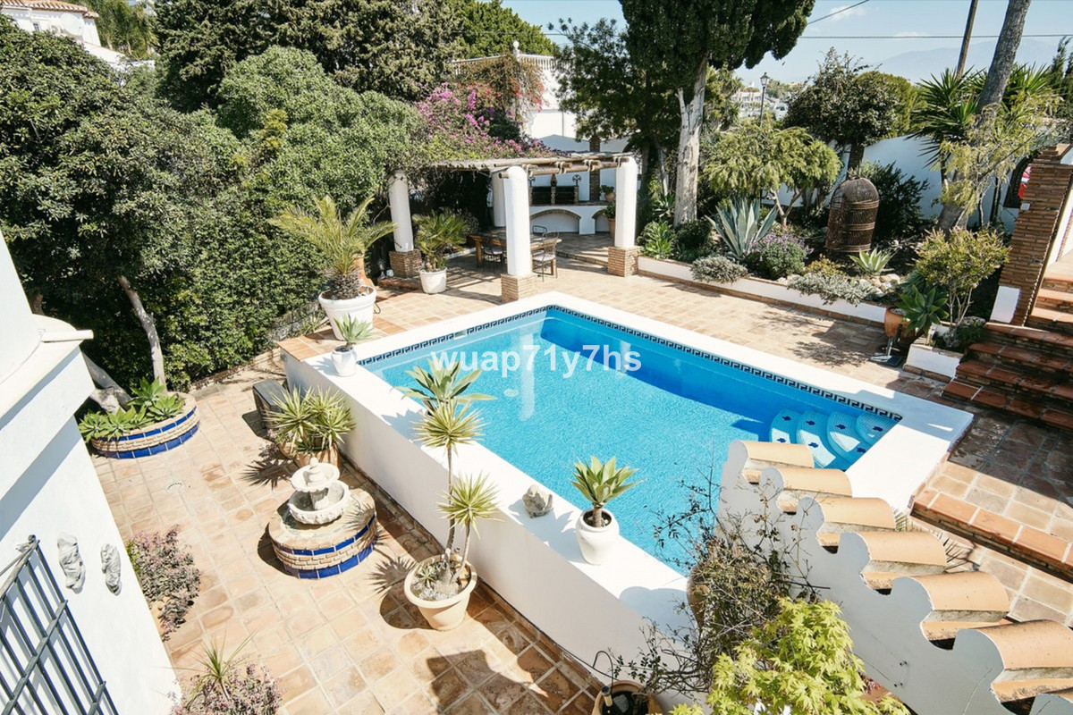 For sale we have a beautiful 3 bedroom, 2 bathroom villa finished to a high standard throughout, wit,Spain