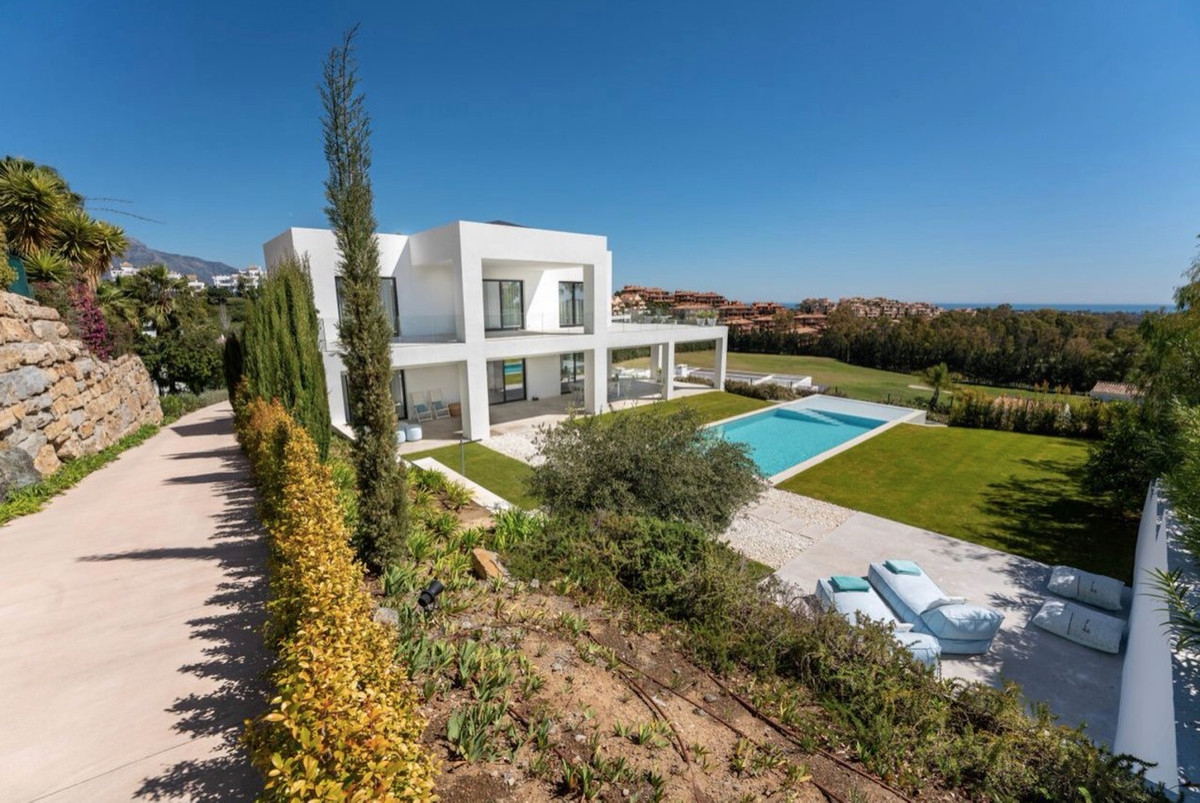 La Alqueria is the most desirable nearby area of Marbella, dotted with attractively positioned villa,Spain