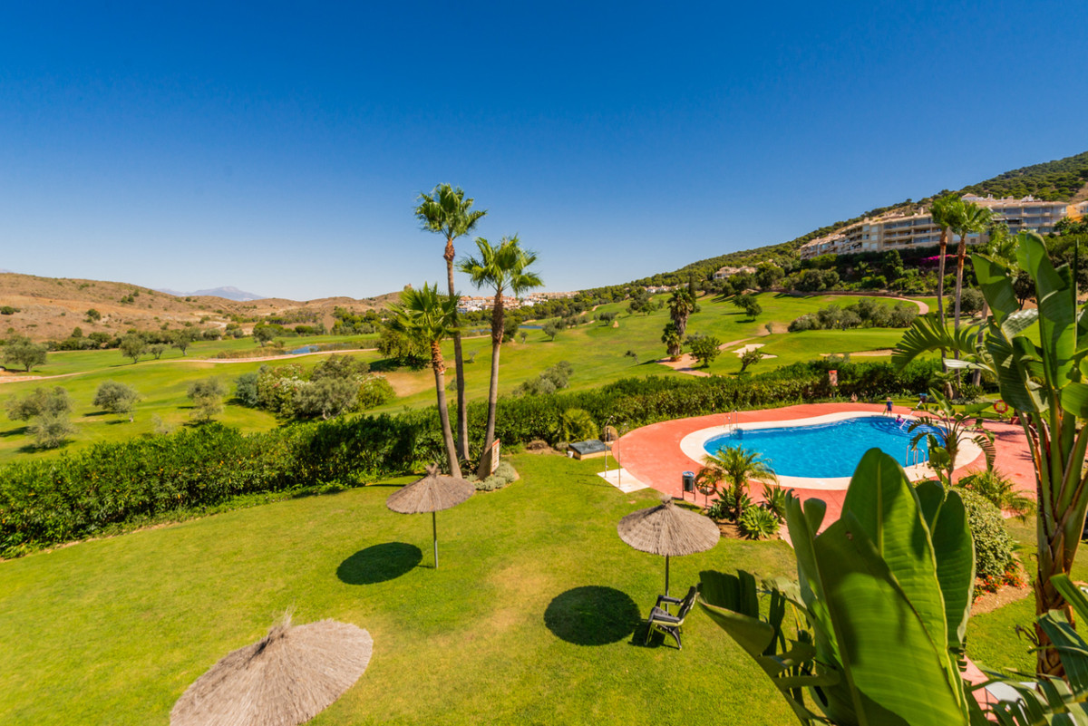 Townhouse, Alhaurin Golf, Costa del Sol. 3 Bedrooms, 2.5 Bathrooms, Built 213 m², Terrace 70 m².  Se, Spain