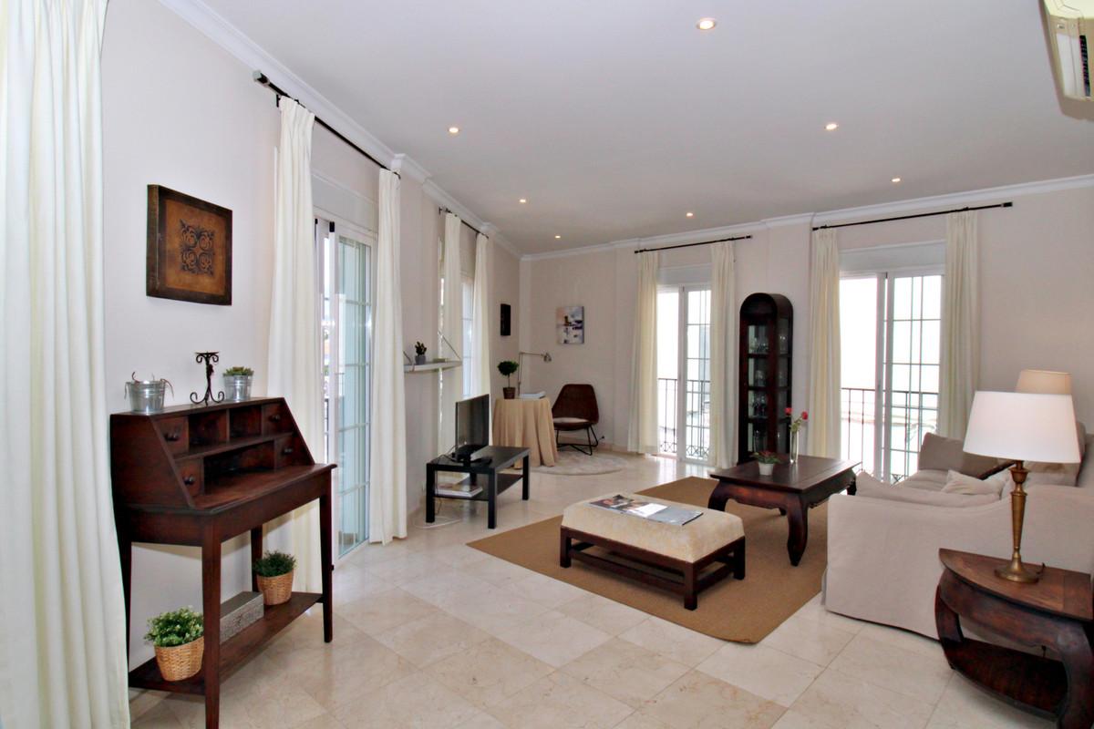 Marbella Banus Apartamento en Venta en San Pedro de Alcántara – R3914812