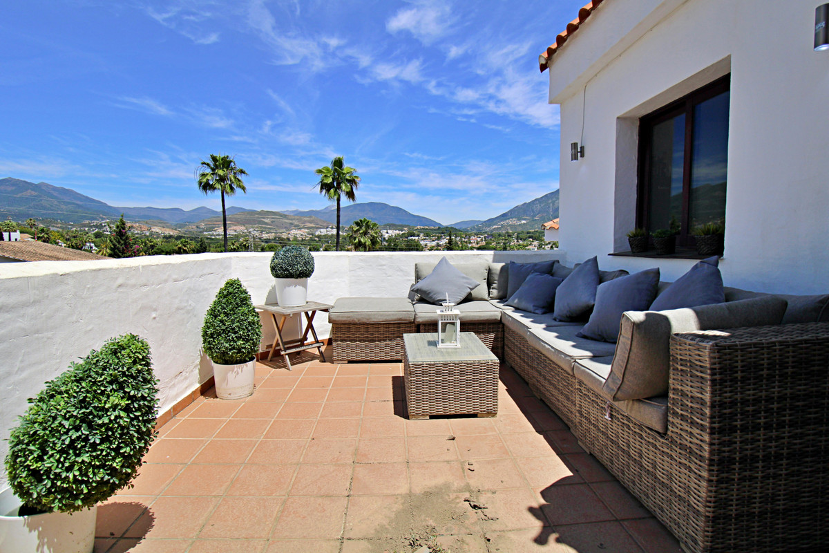 Apartamento en Planta Última en Venta en Nueva Andalucía – R3536782