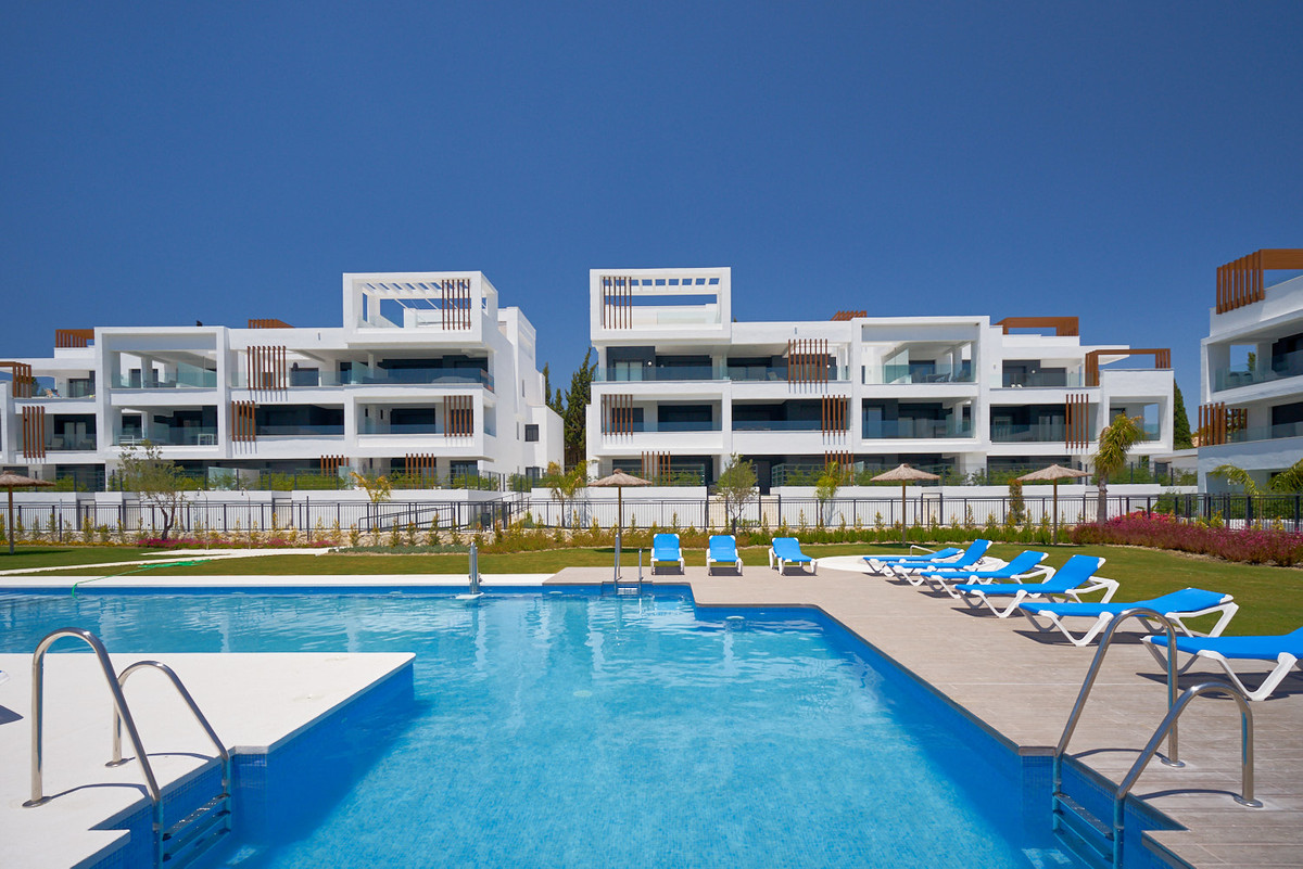 Apartment in Estepona R3468070 4