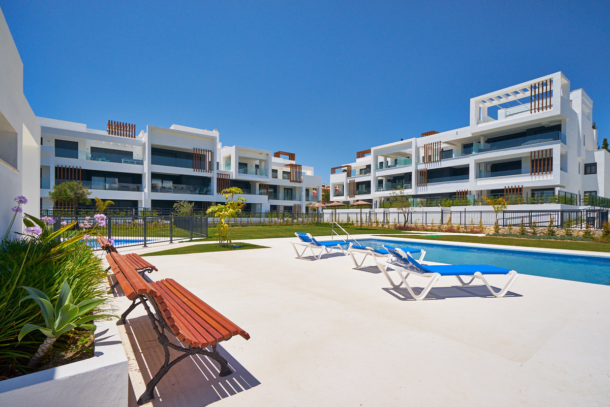 Apartment in Estepona R3468070 5