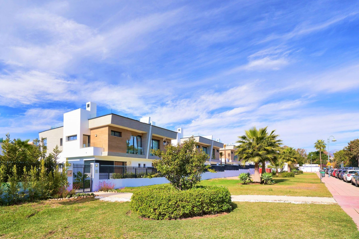 New Development: Prices from €1,602,000 to €1,934,000. [Beds: 4 - 4] [,Spain