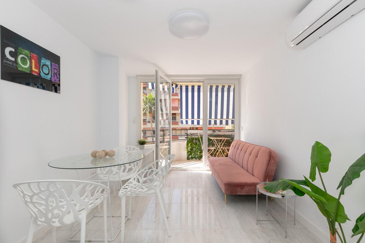 Marbella Banus Apartamento en Venta en Marbella – R3804703