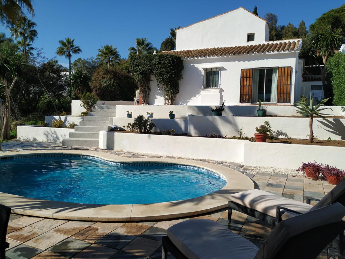 Marbella Banus Villa – Chalet en Venta en Carib Playa – R3584932