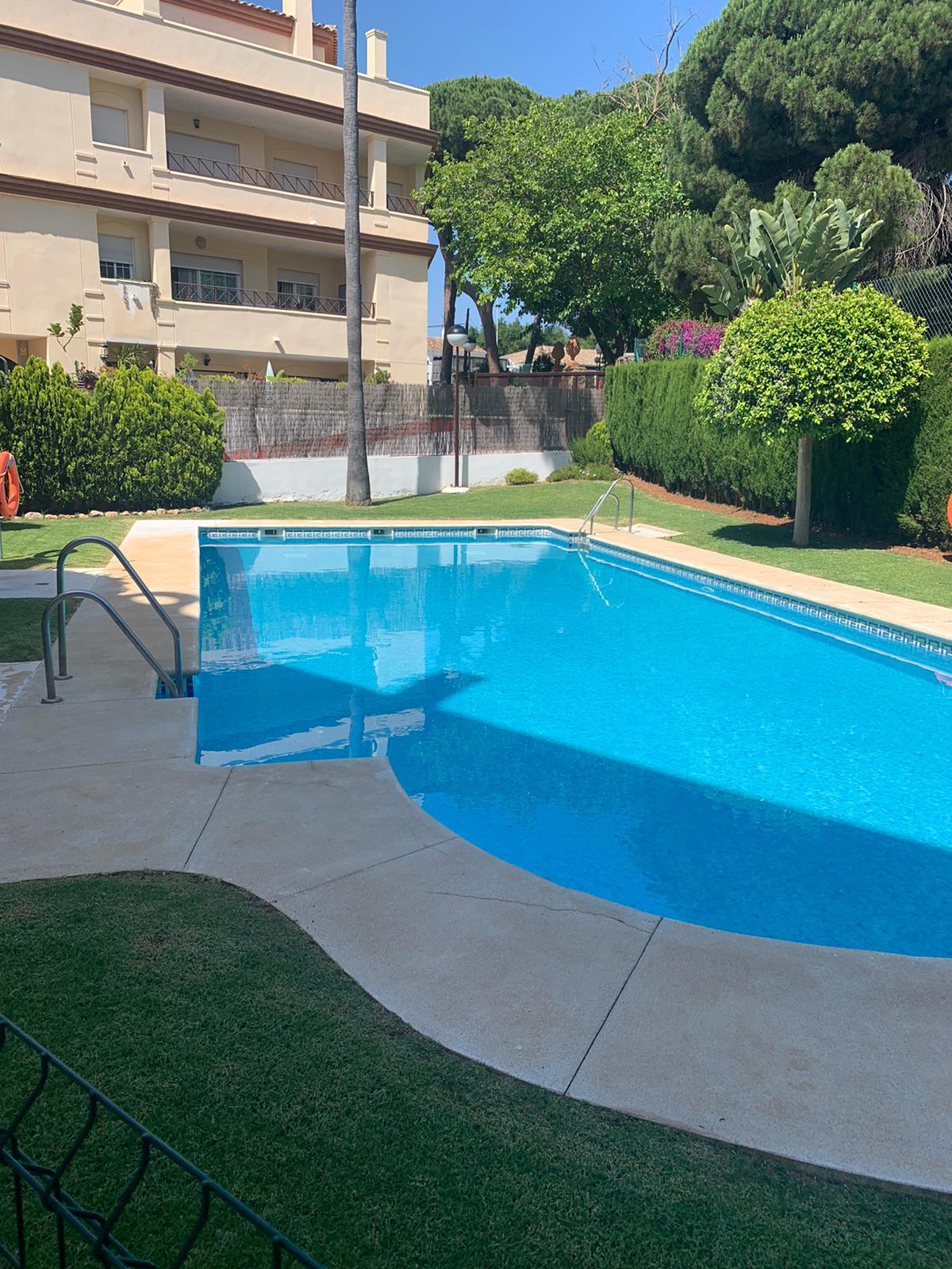 Apartamento Planta Baja en Venta en Elviria – R3648143