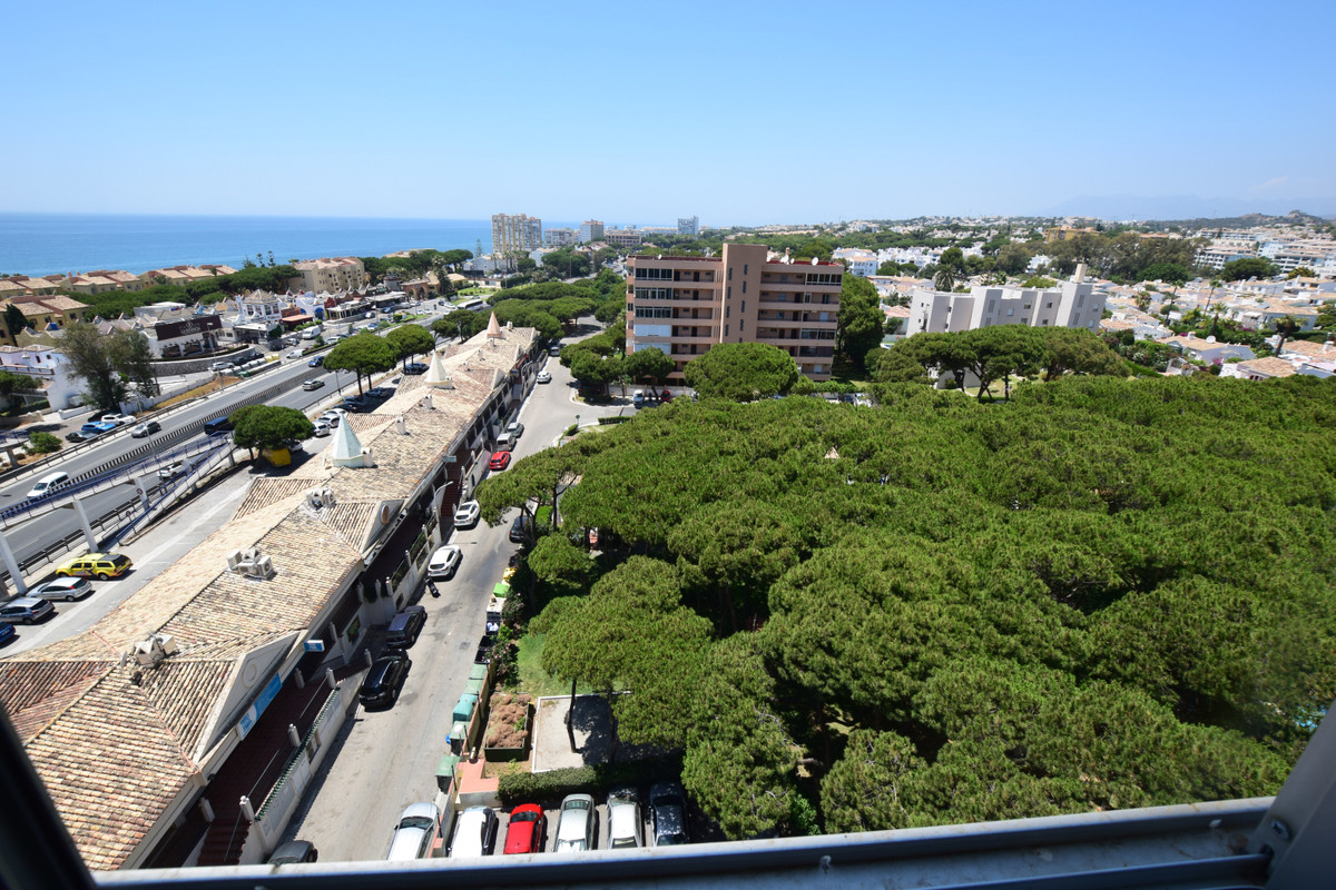 One bedroom apartment with a lot of light and beautiful views over the sea and Calahonda. The apartm,Spain