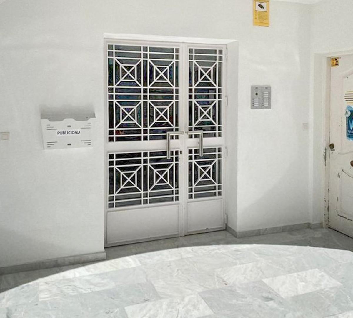 Apartamento en Venta en San Pedro de Alcántara – R3866824