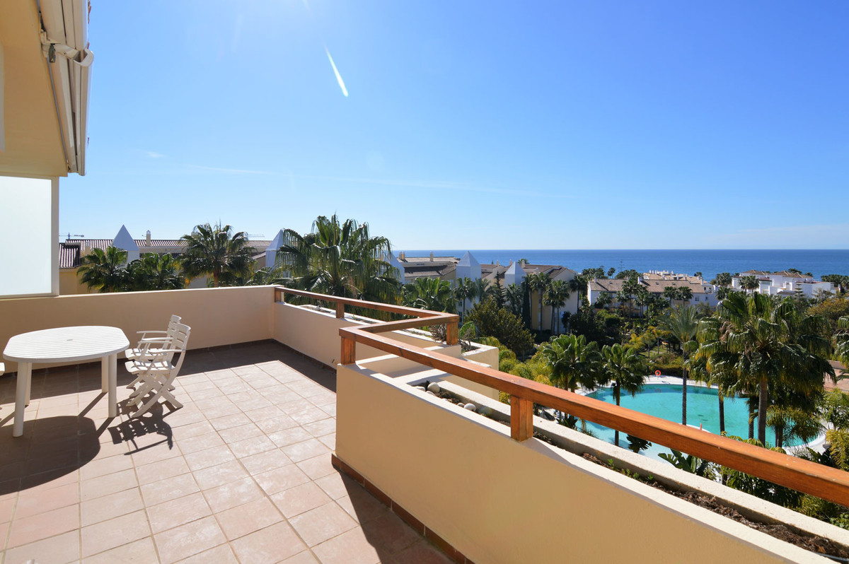 Magnificent penthouse with spectacular sea views in Bahia de Marbella, with garage and storage room!,Spain