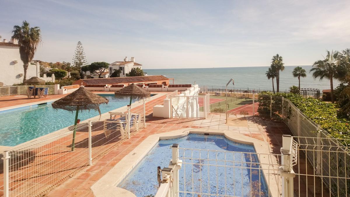 Marbella Banus Apartamento en Planta Última en Venta en Calahonda – R3693656