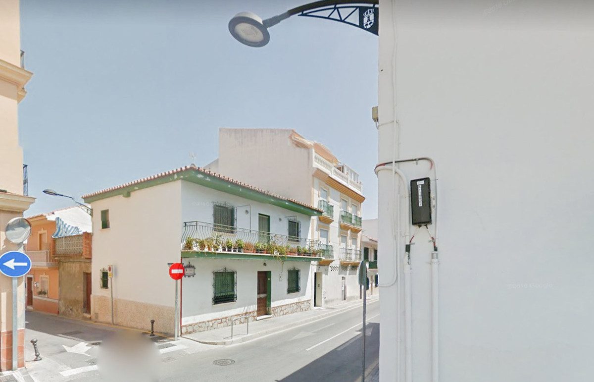 OPPORTUNITY! PENTHOUSE WITH TERRACE IN ALHAURIN DE LA TORRE.  Do you want to have your own home? Cal, Spain