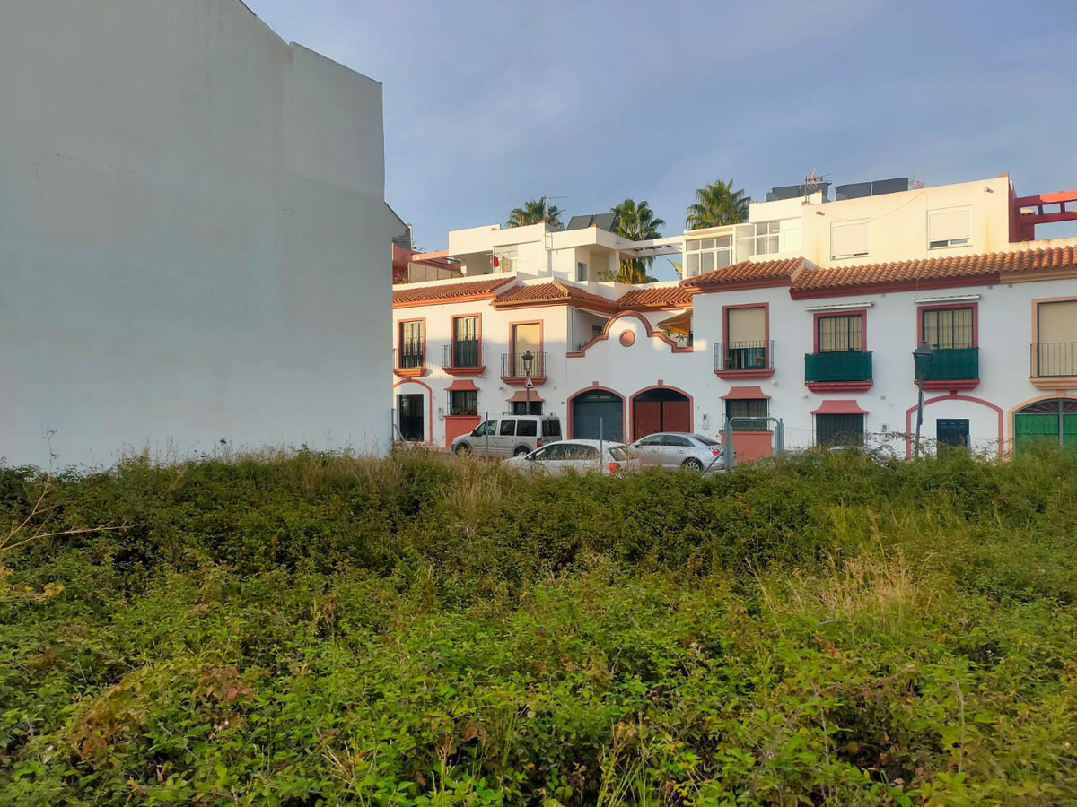 URBAN RESIDENTIAL LAND IN ESTEPONA, MALAGA  Excellent opportunity to acquire this residential urban ,Spain