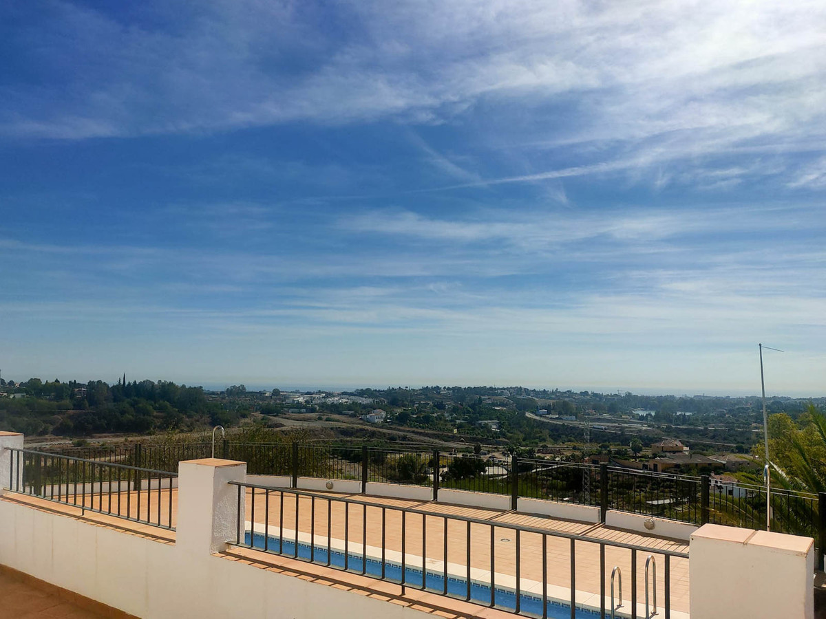 3 BEDROOMS TOWNHOUSE IN BENAHAVIS, MALAGA  This property is located in the Puerto del Almendro Urban,Spain