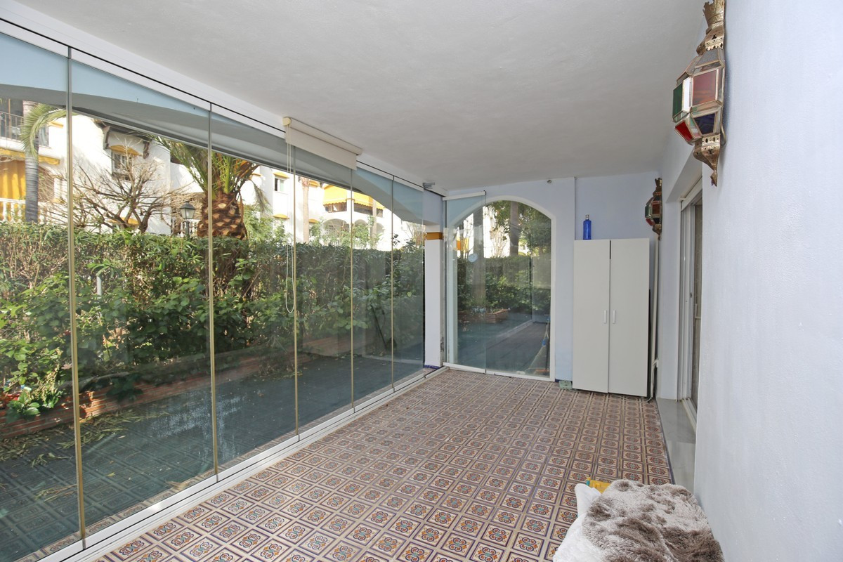 Apartamento Planta Baja en Venta en Marbella – R3704045