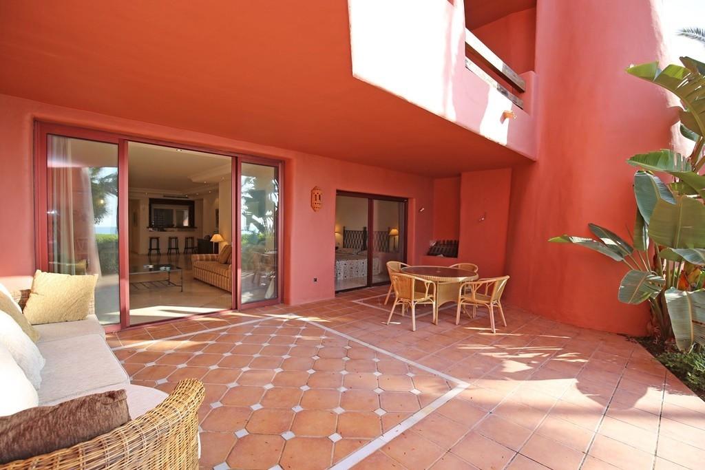 Marbella Banus Apartamento Planta Baja en Venta en New Golden Mile – R3703754