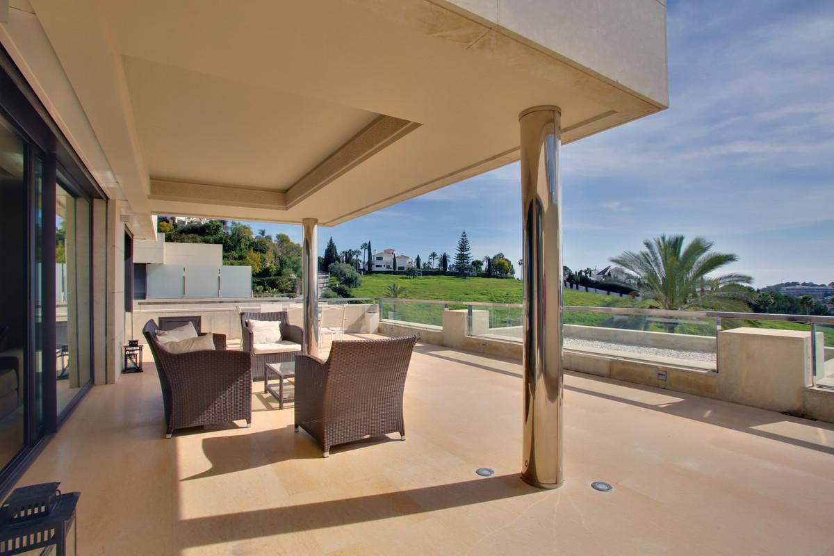 Apartamento en Venta en Nueva Andalucía – R3703757