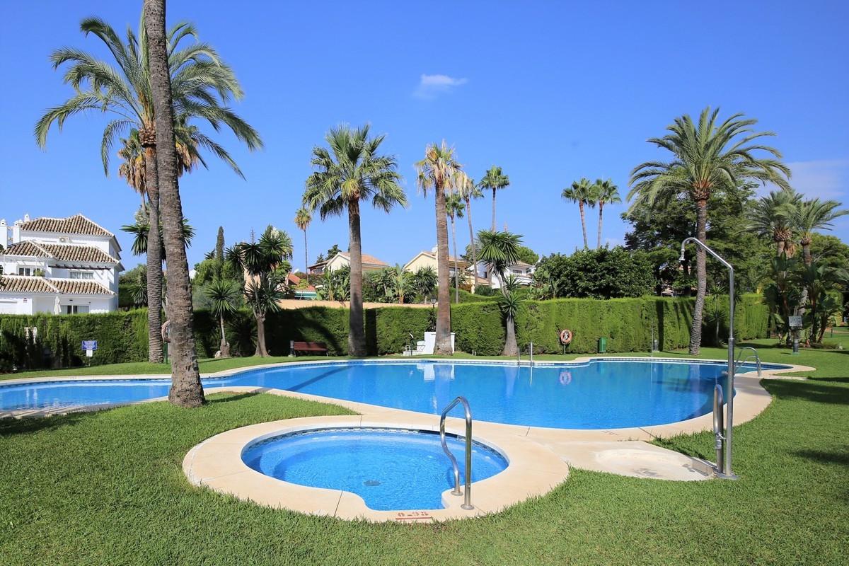 Marbella Banus Apartamento Planta Baja en Venta en Nueva Andalucía – R3703760