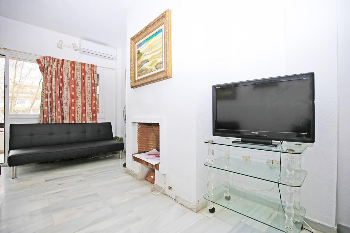 Apartamento Planta Media en Venta en The Golden Mile – R3703835