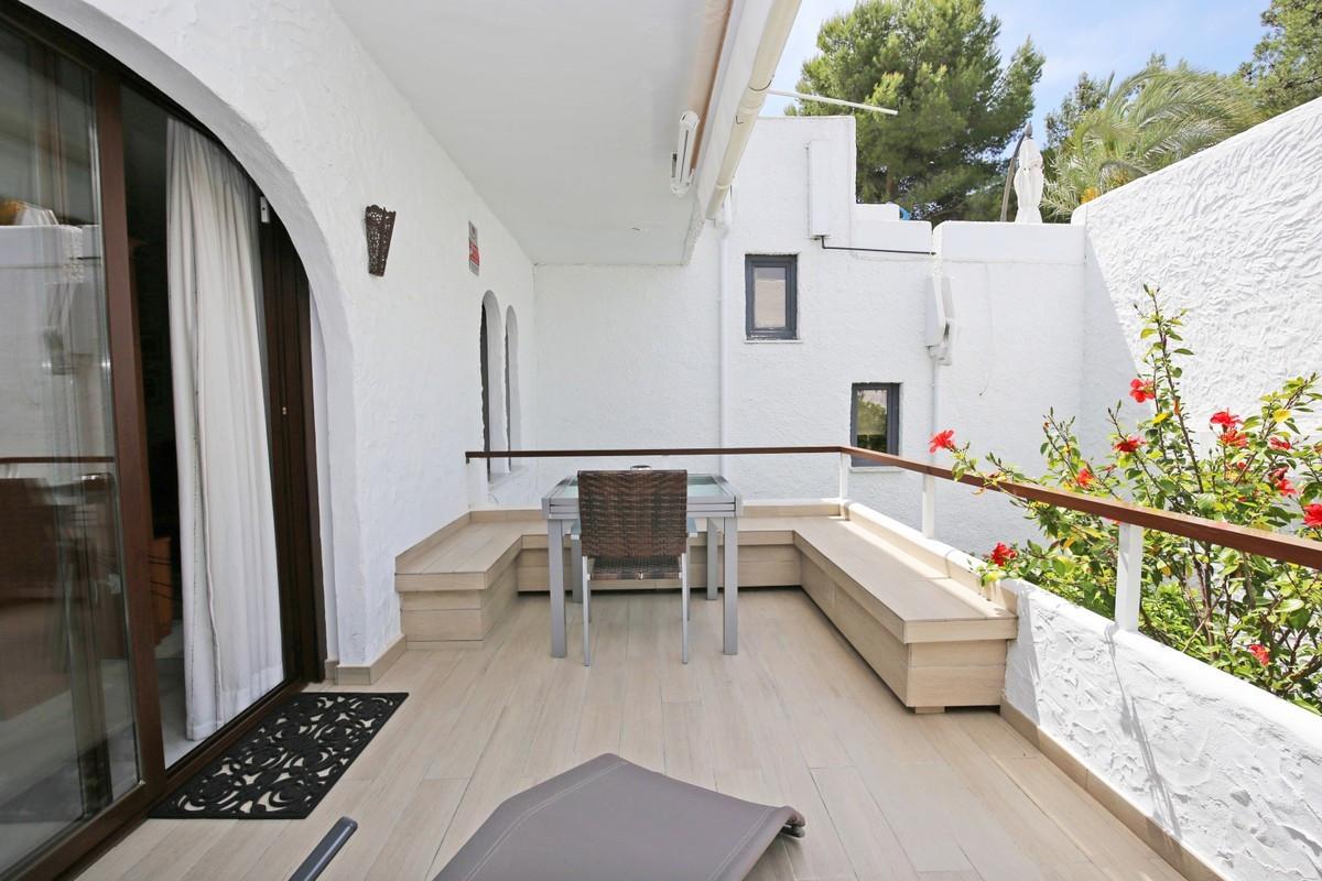 Apartamento en Venta en Nueva Andalucía – R3703838